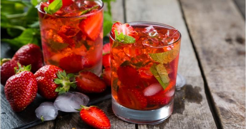 Laissez-vous tenter par le délicieux mojito aux fruits rouges (sans alcool) !