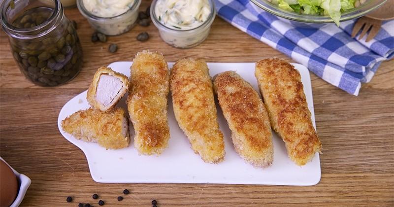 Craquez pour les croustillants filets de lapin panés avec une onctueuse sauce tartare!