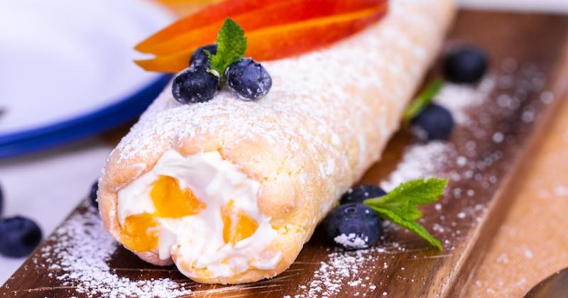 Salivez devant notre recette simple et terriblement gourmande de gâteau roulé à la crème de mangue