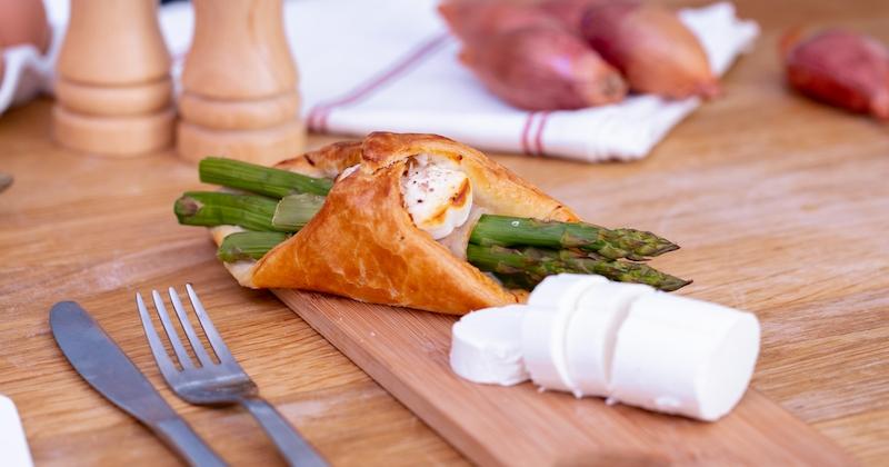 Laissez-vous tenter par les feuilletés aux asperges vertes et au fromage de chèvre !