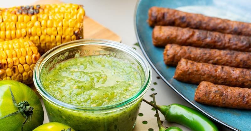 Pour vos barbecues d'été, pensez aux brochitos mexicaines accompagnées d'une délicieuse sauce aux tomates et au piment!