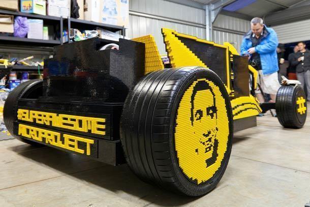 une voiture fonctionnelle r alis e 100 en lego. Black Bedroom Furniture Sets. Home Design Ideas