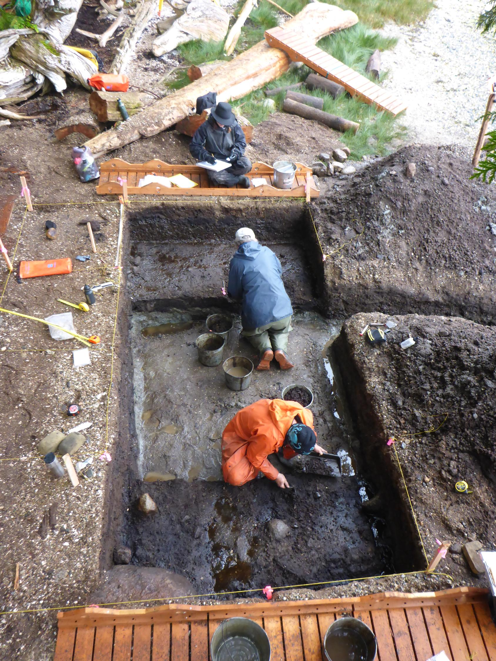 Les plus vieilles traces de pas humains d'Amérique du Nord viennent d'être découvertes au Canada ! Par Nathan Weber                        Journal.pone.0193522.g005
