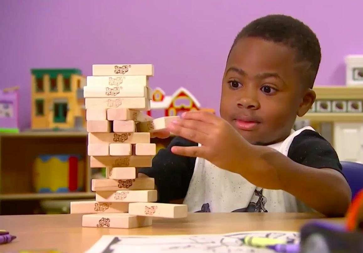 Greffé des deux mains, le petit Zion Harvey sait désormais écrire