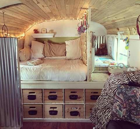 les 15 plus belles caravanes am nag es pour tre confortablement install o que vous alliez. Black Bedroom Furniture Sets. Home Design Ideas