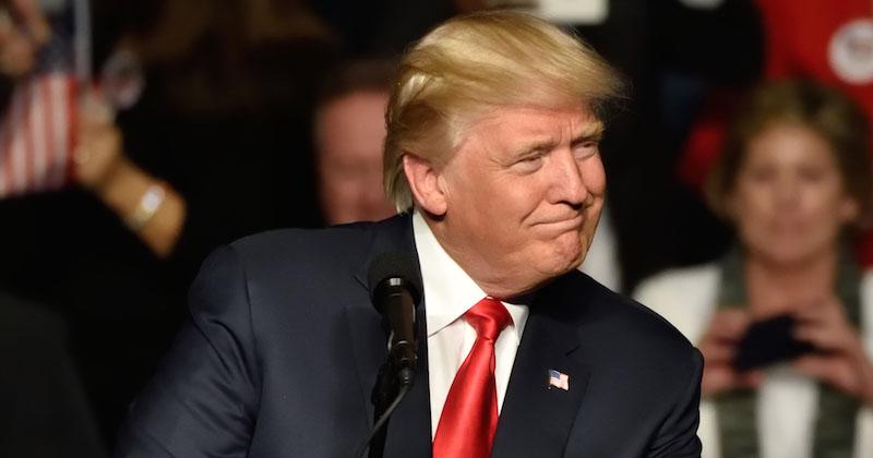 Trump suggère à l'Espagne de construire un mur au Sahara — Migrants