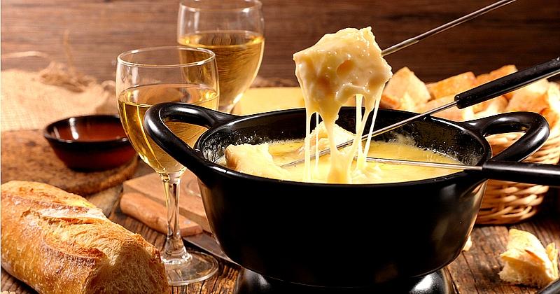 voyez la vie en fromage avec la fondue savoyarde. Black Bedroom Furniture Sets. Home Design Ideas