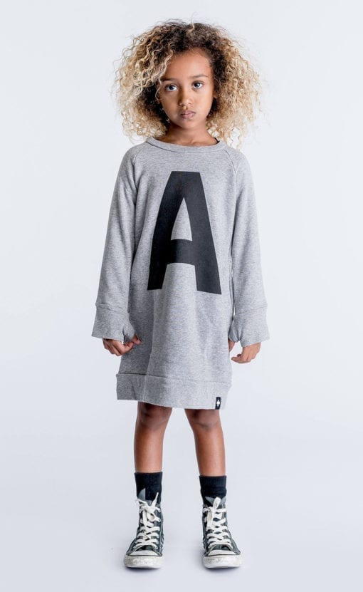 9f585124d03d8 Un sweatshirt de la collection Celinununu Crédit   Celinununu. Une  collection sobre et tendance avec ...