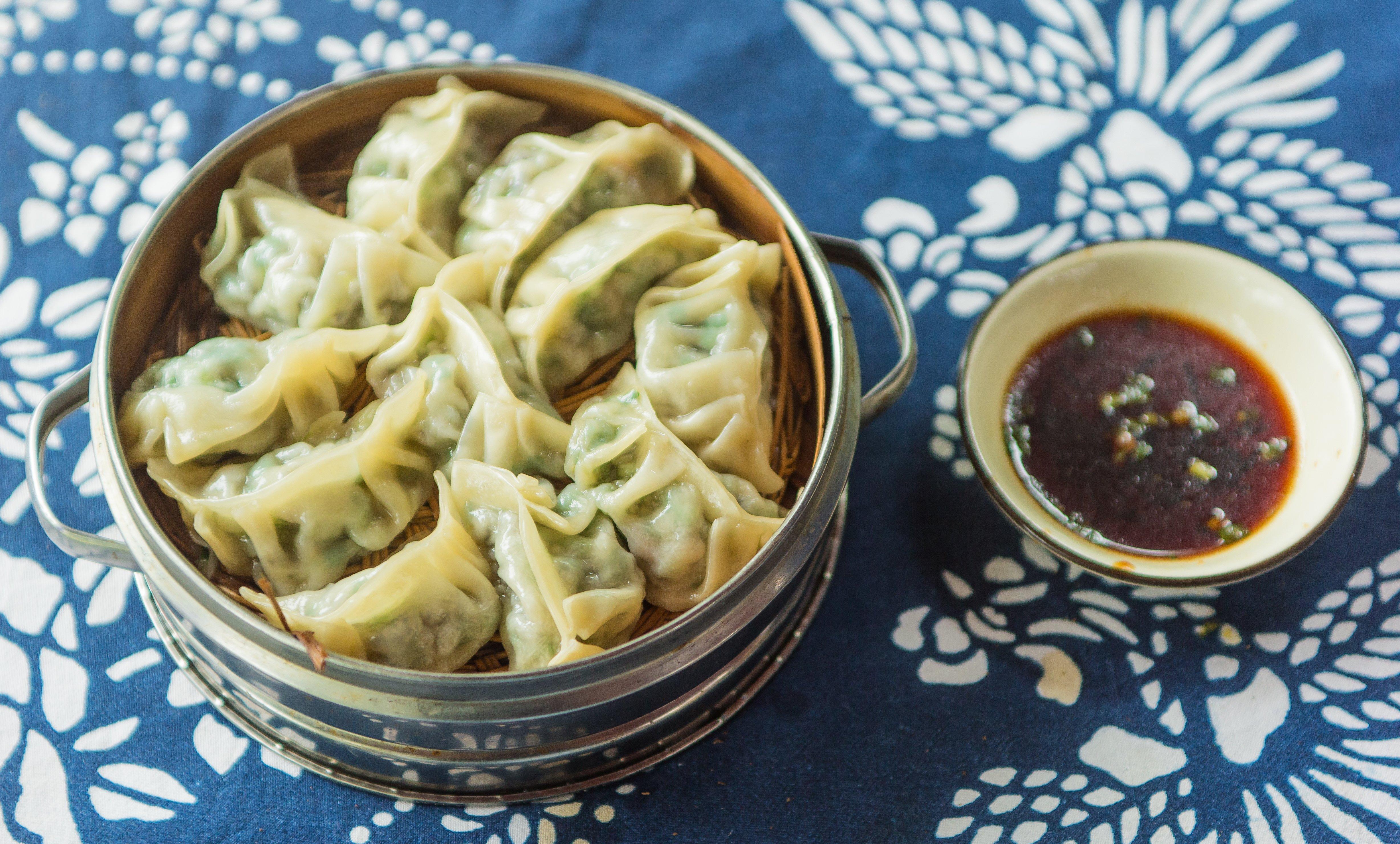 pr parez chez vous de d licieux raviolis chinois v g tariens cuits la vapeur. Black Bedroom Furniture Sets. Home Design Ideas