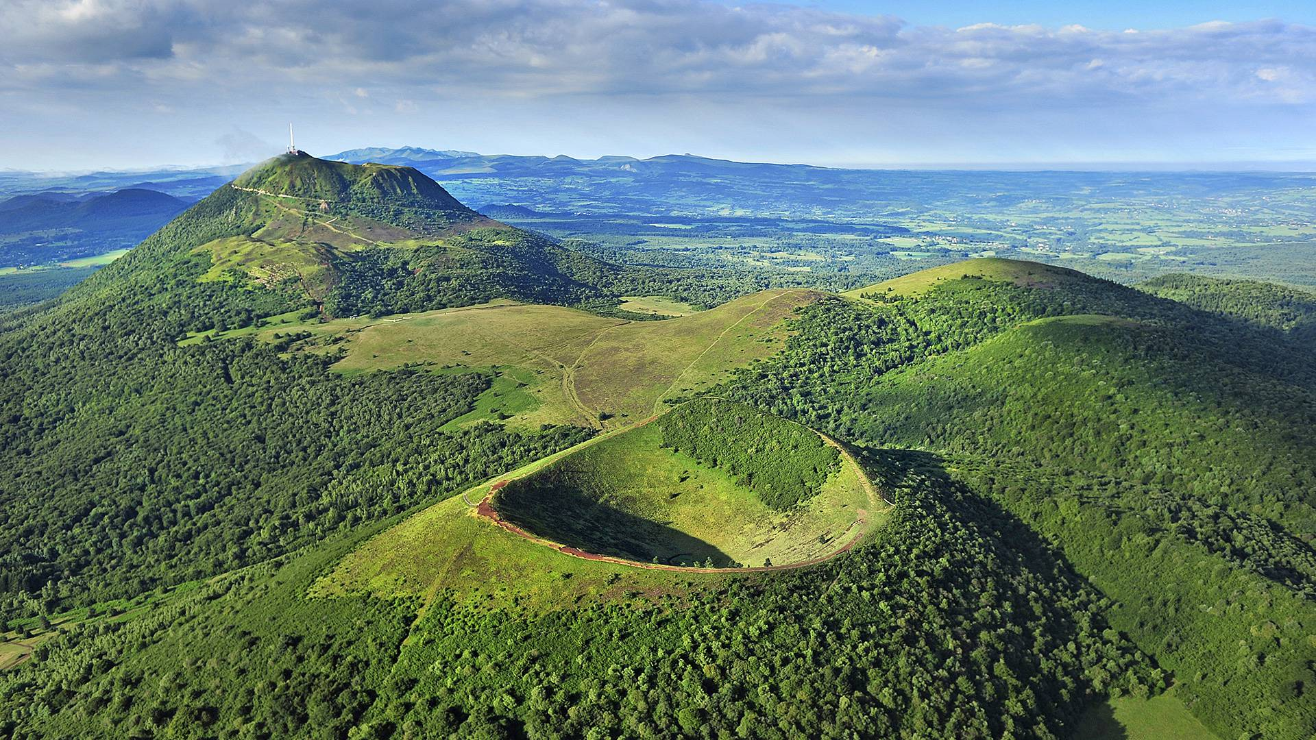 Aujourd 39 hui les volcans d 39 auvergne entrent au patrimoine mondial de l 39 unesco - Office du tourisme de l auvergne ...