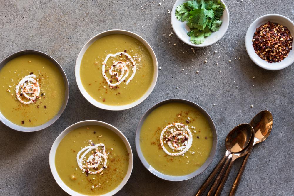 faites le plein de vitamines et de prot ines avec la soupe de pois cass s aux carottes. Black Bedroom Furniture Sets. Home Design Ideas