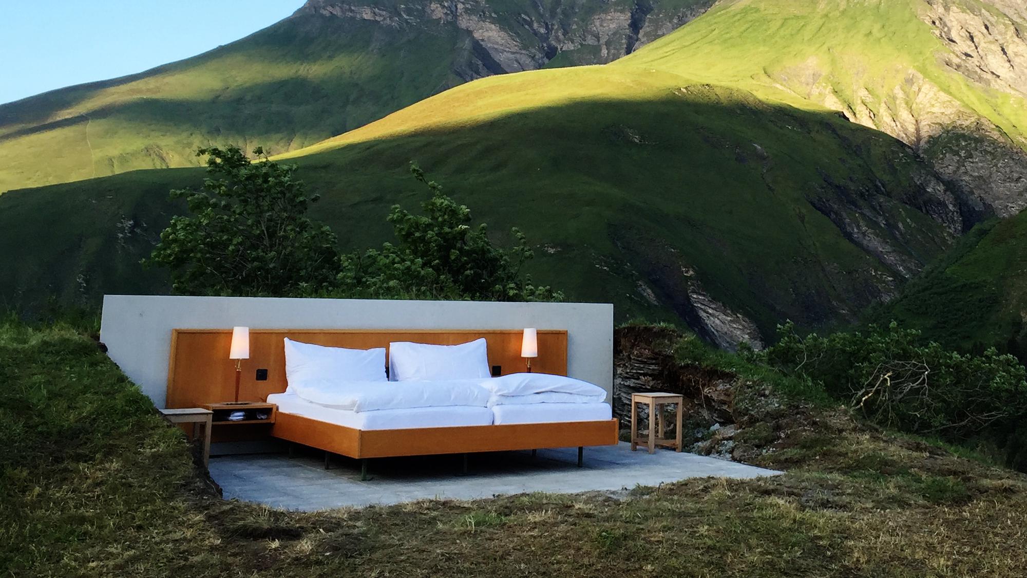 le null stern l h tel qui vous fait dormir la belle toile dans une chambre tout confort. Black Bedroom Furniture Sets. Home Design Ideas