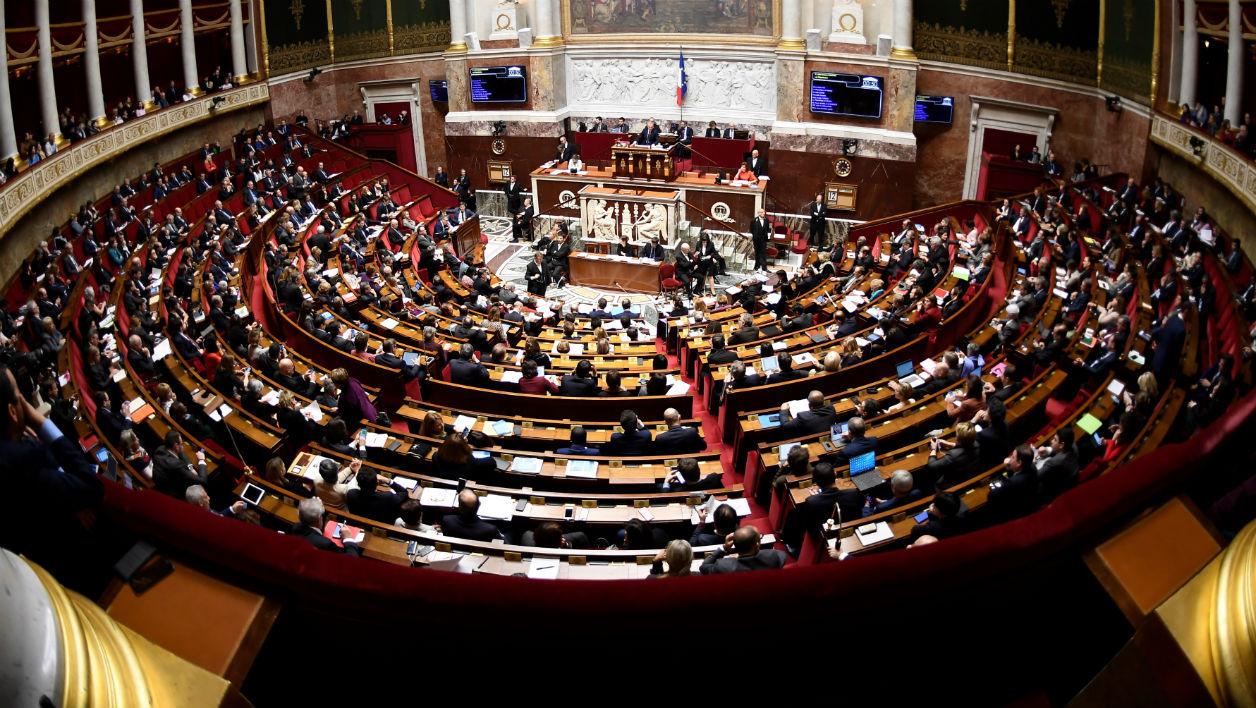 Payée 5 000 euros, une députée LREM se plaint de manger