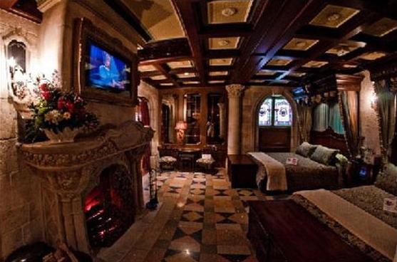 Disneyland 8 choses que vous ne saviez pas propos du for Interieur hotel disney