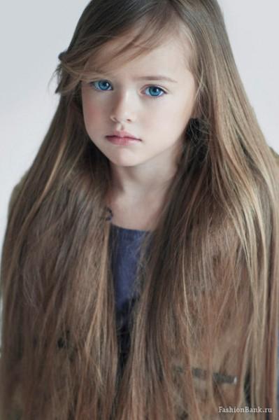 A 10 ans, Kristina Pimenova est la plus belle petite