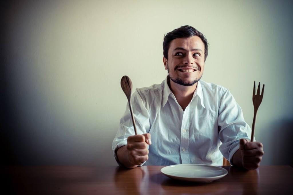 13 choses qui arrivent ceux qui ont tout le temps faim. Black Bedroom Furniture Sets. Home Design Ideas