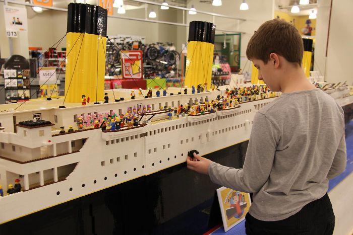 Titanic en Lego - Page 2 Teen-autism-titanic-lego-replica-brynjar-karl-birgisson-6-5f1e8f9f84ead__700