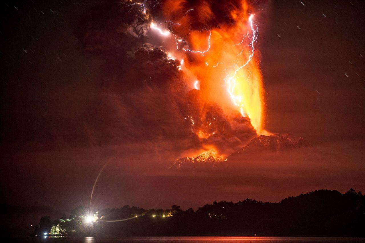 Attentat Christchurch Hd: Au Chili, L'un Des Volcans Les Plus Dangereux Du Pays A