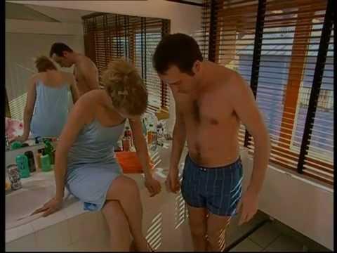 Les filles bord liques sont les meilleurs copines du monde for Un gars une fille dans la salle de bain