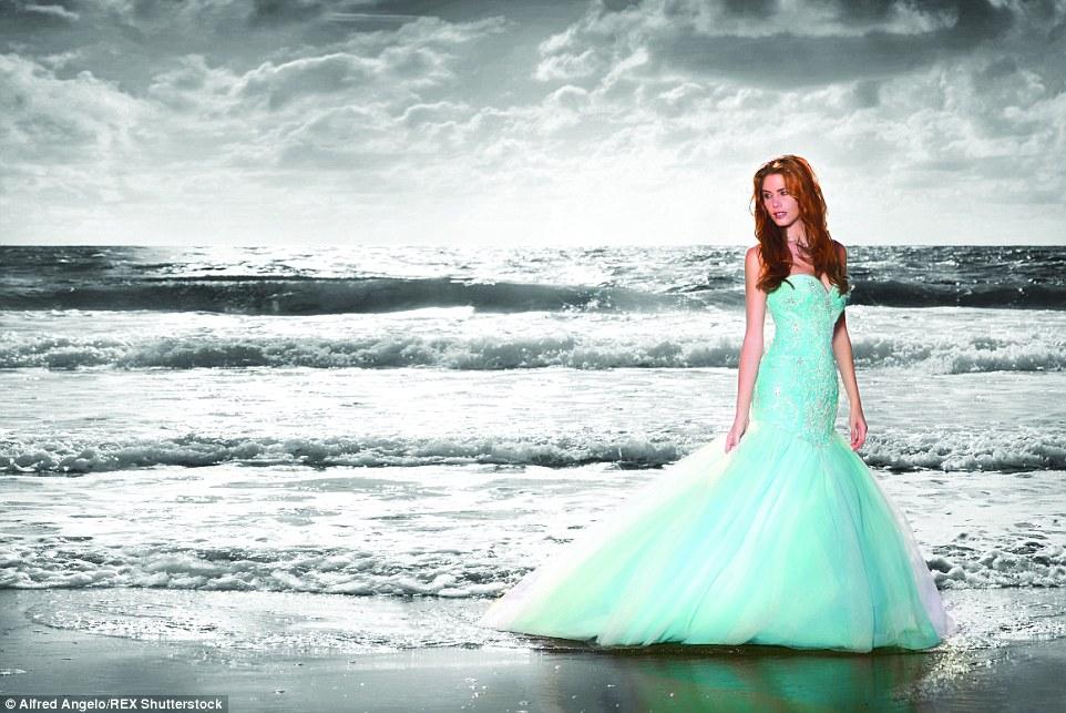 Voilà à quoi ressembleraient les robes de mariées des princesses Disney dans la réalité ! Sublimes.