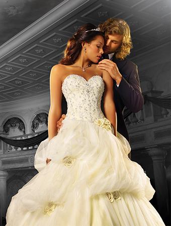 ... robes de mariées des princesses Disney dans la réalité ! Sublimes