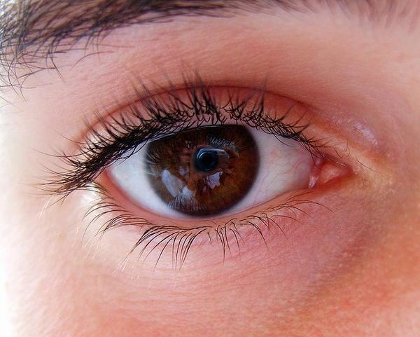 voil ce que la couleur de vos yeux r v le sur votre. Black Bedroom Furniture Sets. Home Design Ideas