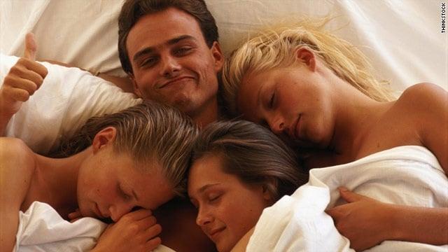 Les 15 pr noms des mecs qui rendent folles les femmes - Amour entre femme et homme dans le lit ...