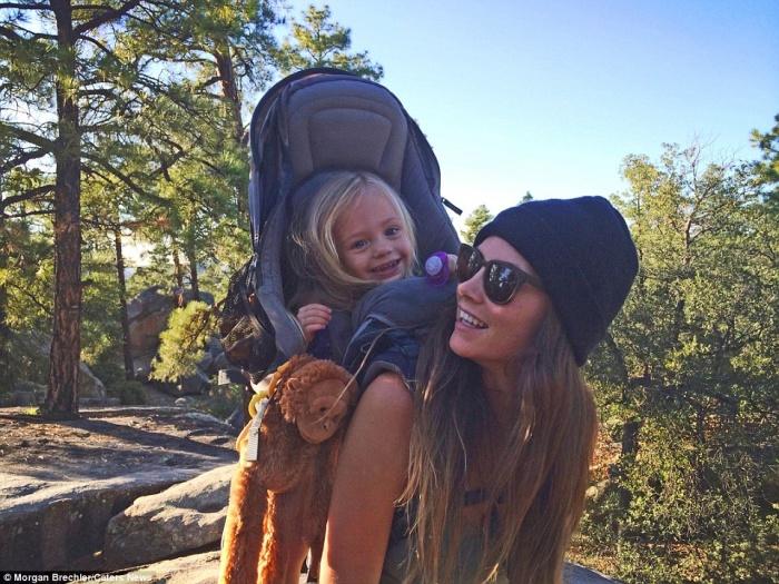 À 25 ans, elle part à l aventure avec sa fille de 3 ans sur le dos ! Les  photos sont à couper le souffle. c4c8235d1e8