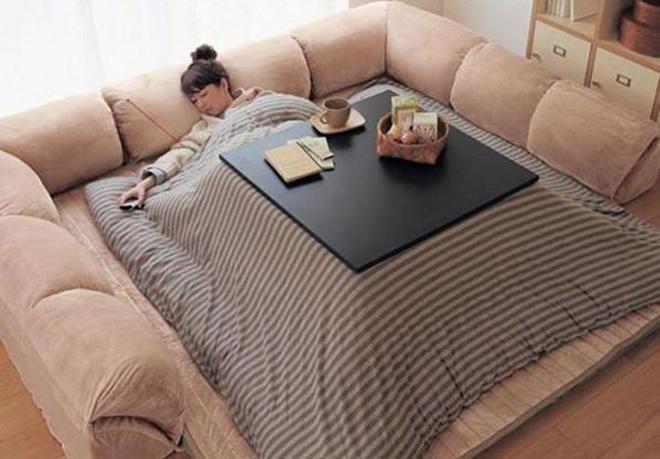 le canapé-lit dont tous les flemmards rêvent est enfin là : on le