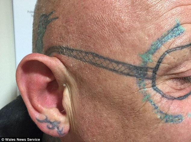 tatouage lunette ray ban