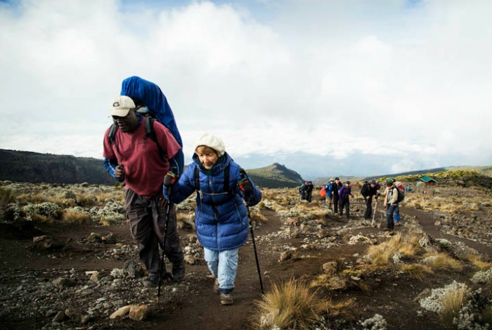u00c0 86 ans  elle a r u00e9ussi  u00e0 gravir le kilimandjaro