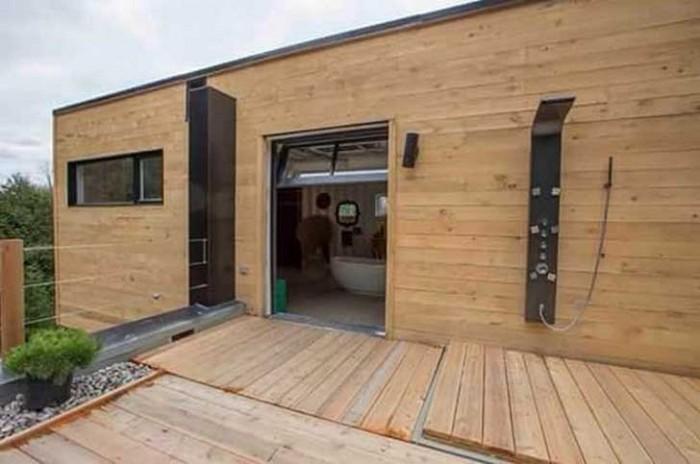 Elle a achet quatre containers m talliques et les a transform s pour construire une maison - Garage dubreuil louviers ...