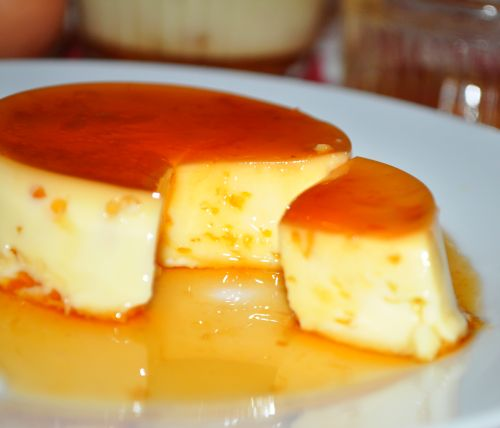 La recette du flan au caramel est tellement simple que vous aurez envie de la faire tous les jours - Faire du caramel maison ...