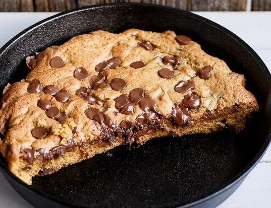 le cookie g ant une recette facile qui deviendra vite. Black Bedroom Furniture Sets. Home Design Ideas