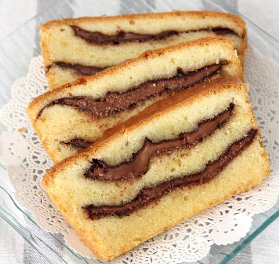 gateau au yaourt avec insert nutella home baking for you blog photo. Black Bedroom Furniture Sets. Home Design Ideas