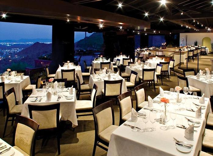 22 restaurants paradisiaques avec des vues couper le for Cafe du jardin eze