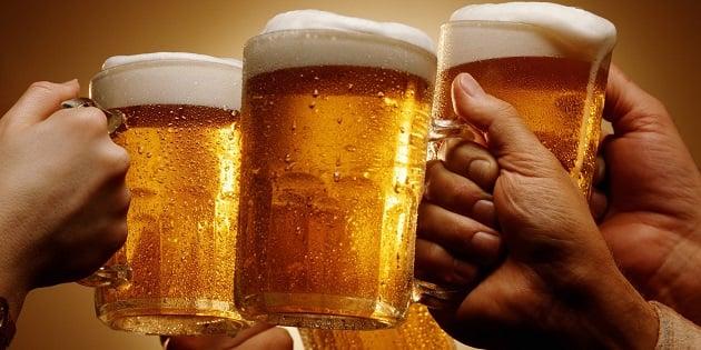 Boire une bi re par jour d 39 apr s une tude c 39 est le rem de id al pour se prot ger des - Pinte de biere en ml ...