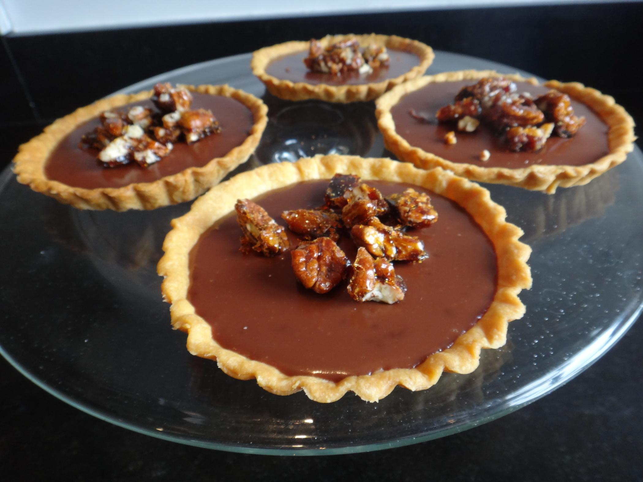 Les Tartelettes Au Chocolat Et Au Caramel Au Beurre Sale Un Pur