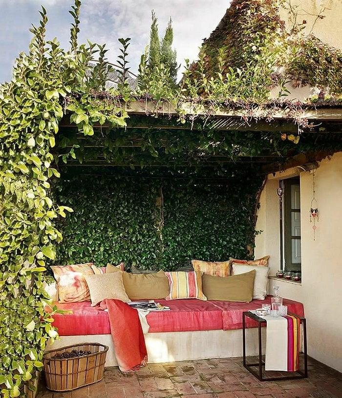 40 terrasses et balcons magnifiques qui vont vous inspirer for Decoration murale terrasse