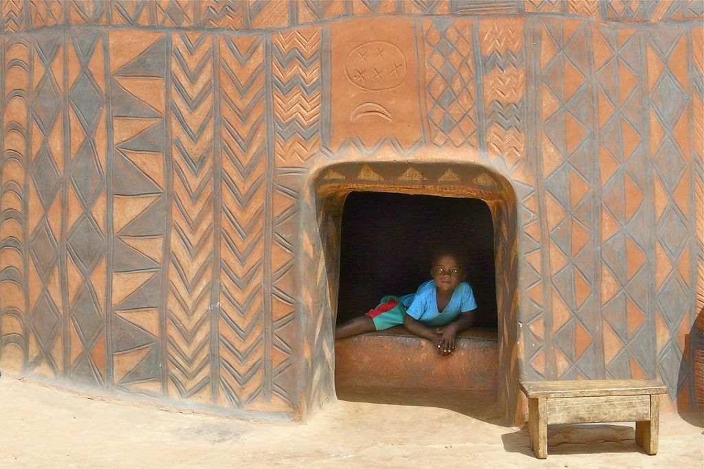 """Résultat de recherche d'images pour """"À Tiébélé, chaque maison est une oeuvre d`art"""""""