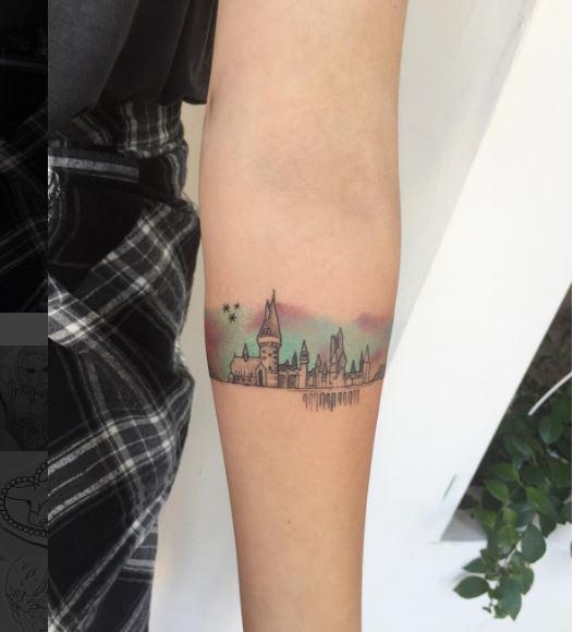 20 tatouages minimalistes sur le thème de harry potter : le 17ème