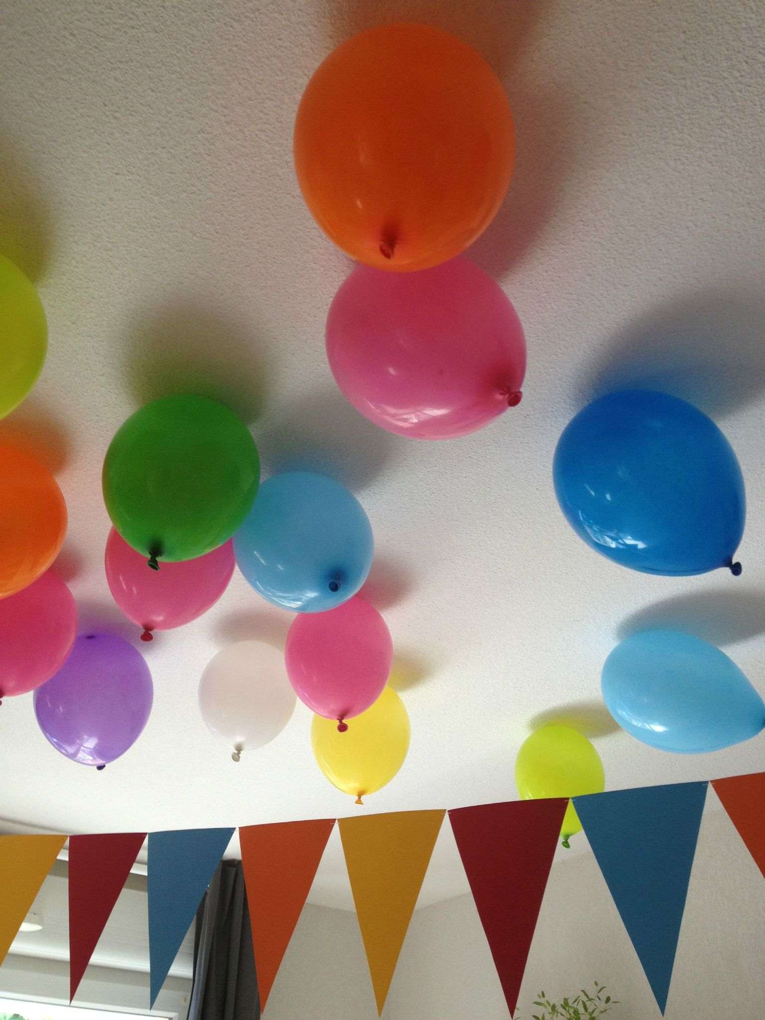 comment faire tenir un ballon de baudruche au plafond  sans h u00e9lium   vous allez adorer notre