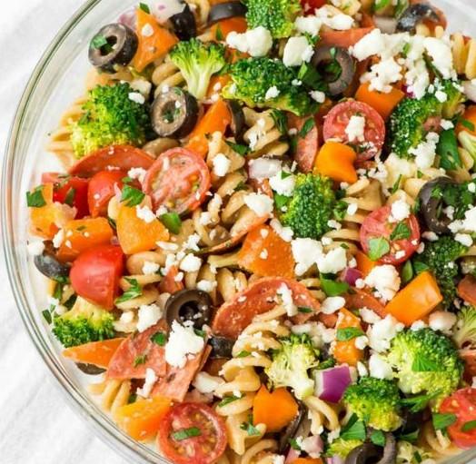 la salade de p tes l 39 italienne la mozzarella aux tomates et au jambon de parme de la. Black Bedroom Furniture Sets. Home Design Ideas