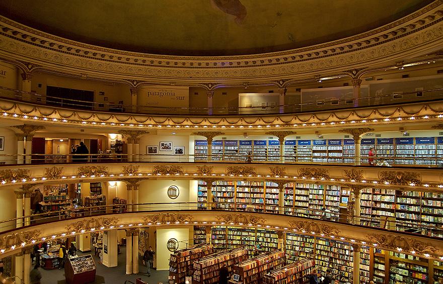 A Buenos Aires, un théâtre vieux de 100 ans a été transformé en une immense librairie... Et le résultat est époustouflant ! dans SAVEZ-VOUS QUE .... ? G