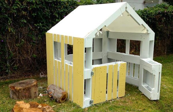 diy fabriquez une cabane avec des palettes en bois en 5. Black Bedroom Furniture Sets. Home Design Ideas