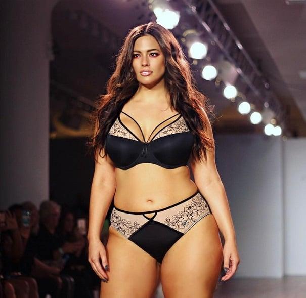 ronde lingerie La c bre mannequin grande taille 1b60537a1c9