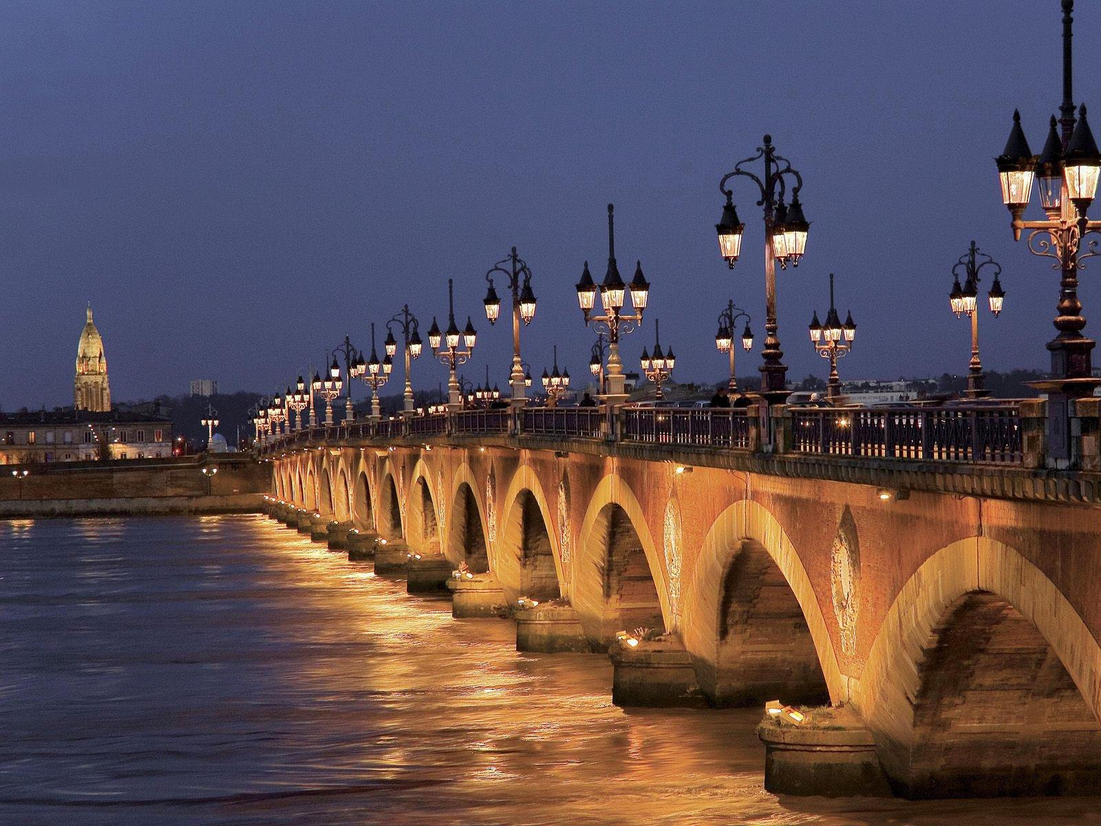 C 39 est bordeaux la plus belle ville de france et du monde for Piscine a bordeaux