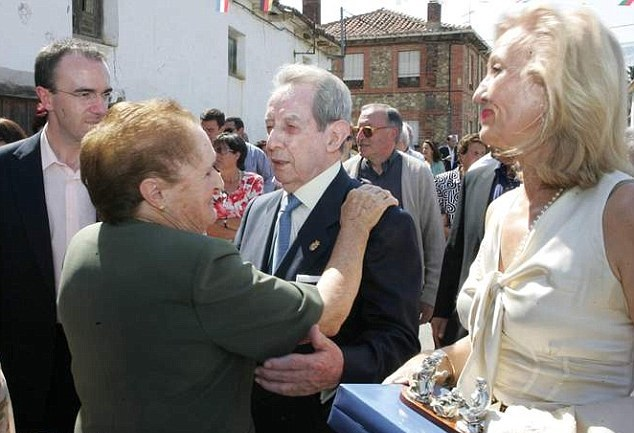 Dans une petite province d'Espagne, des dizaines de personnes deviennent millionnaires