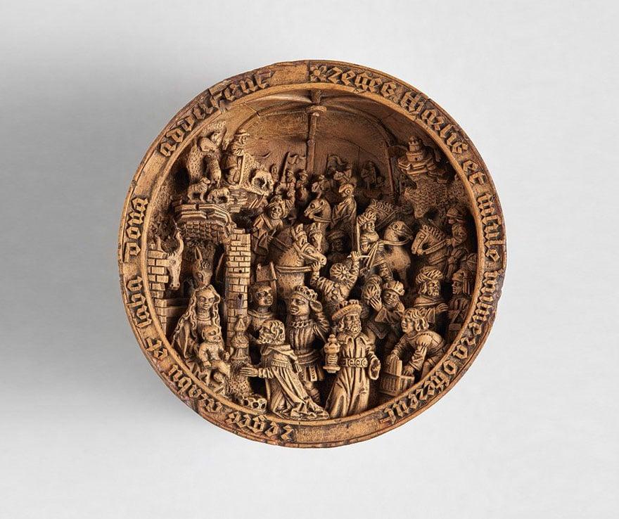 Ces minuscules boîtes en bois sculptées sont un vrai mystère Zc