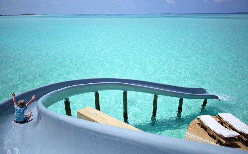 Cet H 244 Tel De Luxe Aux Maldives Propose Un Toboggan Pour